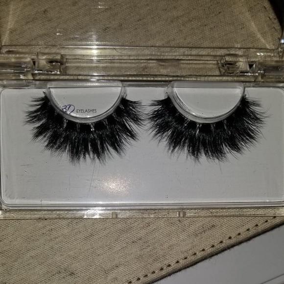 CoCo Lashon Beauty Secrets Other - BEAUTIFUL Genuin 3D 25mm Mink Lashes.